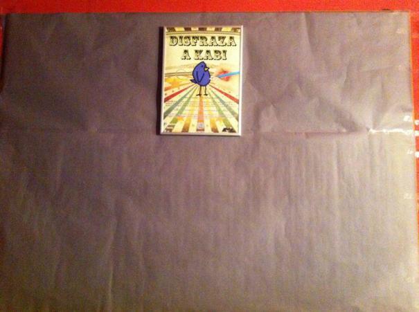 Primer día de la iniciativa, pusimos un cartel explicativo, y espacio para colgar las tarjetas.